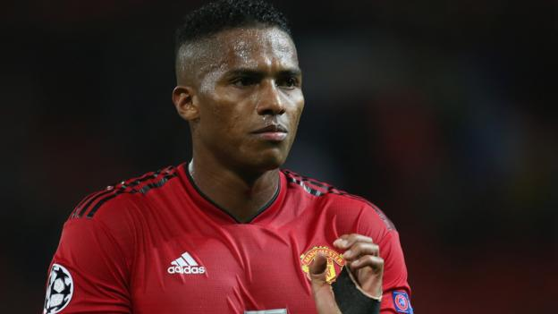 Antonio Valencia: Manchester United captain set to leave club in summer thumbnail