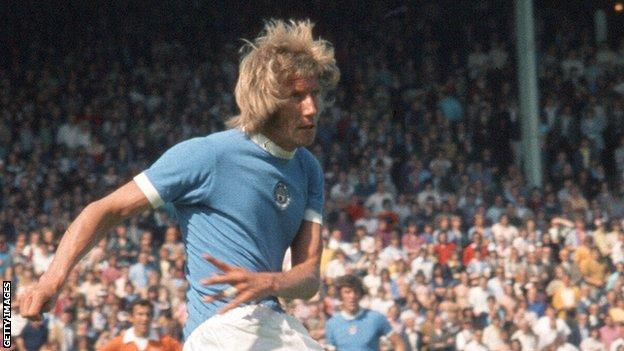 Colin Bell playing for Manchester City