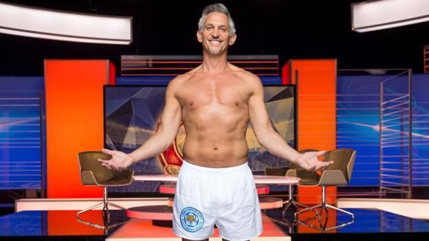 Gary Lineker pants: Match of the Day presenter keeps Twitter promise