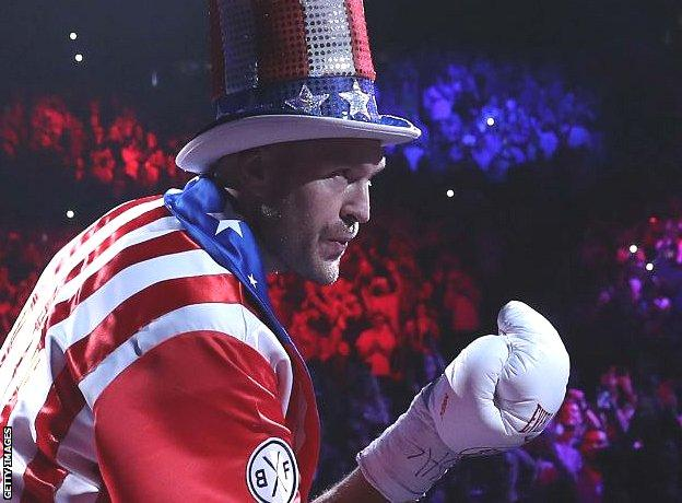 Tyson Fury blows a kiss to the crowd
