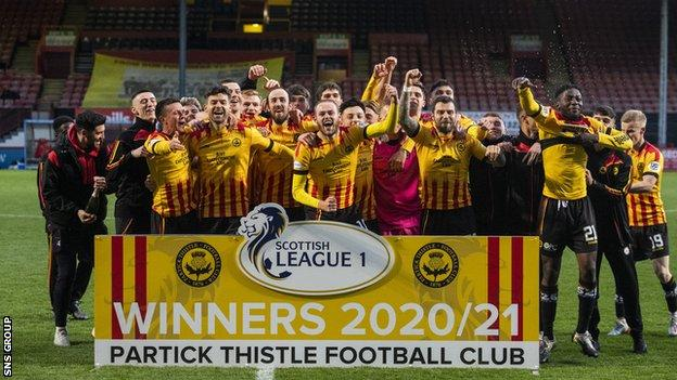 Partick Thistle hammered Falkirk 5-0 to clinch the League One title