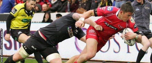 DTH van der Merwe scores for Scarlets against Ospreys