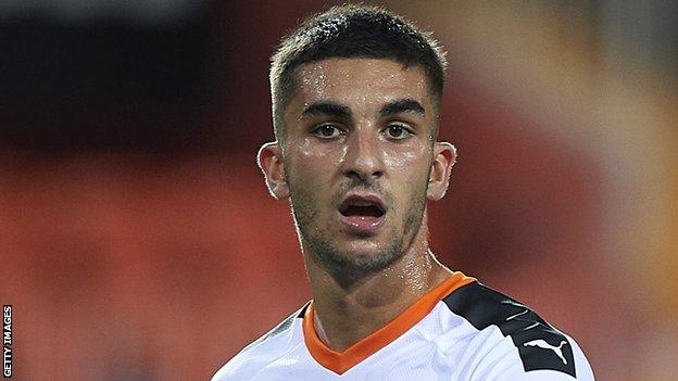 Ferran Torres: Man City sign Valencia winger