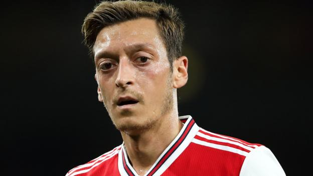 Football gossip: Ozil, Matic, Mandzukic, Solskjaer, Chong, Emery thumbnail