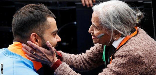 Charulata Patel meets Virat Kohli