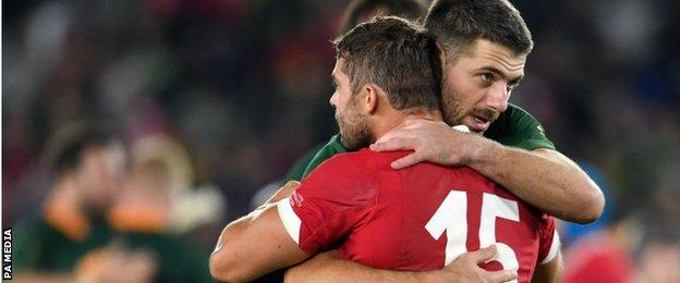 Leigh Halfpenny and Willie Le Roux