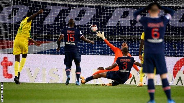 Randal Kolo Muani scoring for Nantes