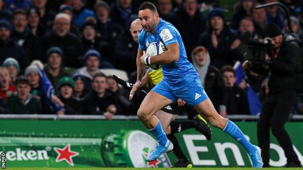 Dave Kearney continued his impressive season by notching Leinster's fourth try at the Aviva Stadium