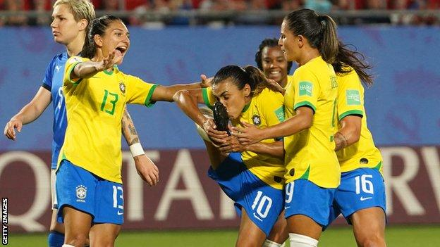 Women's World Cup 2019 Report: Marta becomes World Cup finals leading scorer as Brazil join Italy in last 16