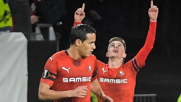 Rennes 3-1 Arsenal: Ten-man Gunners slip to Europa League defeat thumbnail
