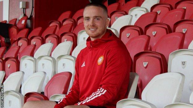 Aaron Burns joins Portadown after Sky Blues departure - BBC Sport