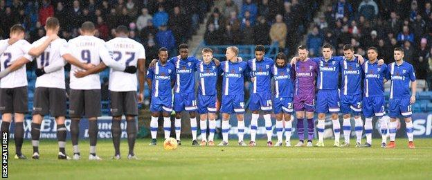Gillingham and Bury's players pay