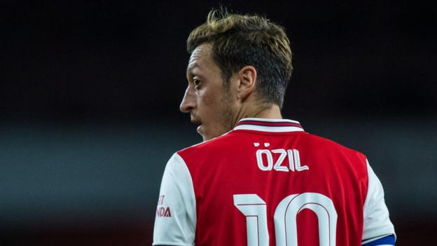 Mesut Ozil: What's happening with the midfielder at Arsenal? thumbnail