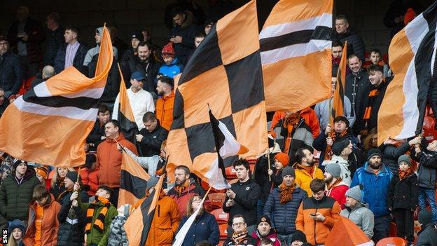 Dundee United Supporters 'Foundation, kulübe yedi ayda ikinci kez 100.000 £ vermeyi kabul etti