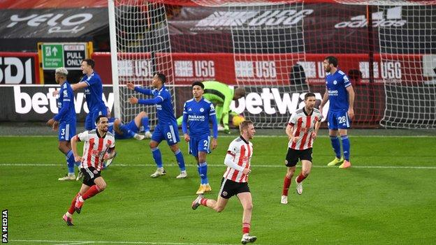 Sheffield United celebrate Oli McBurnie's goal