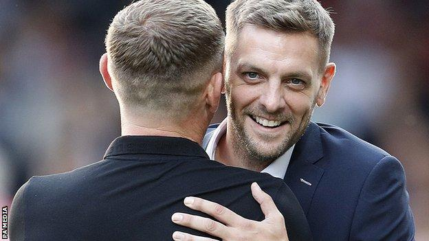 Jonathan Woodgate embraces Graeme Jones