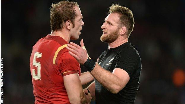 Alun Wyn Jones and Kieran Read embrace after a New Zealand and Wales Test match in 2016