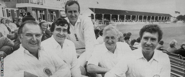 Tom Graveney, with Fred Trueman, Ted Dexter, Don Brennan and Fred Titmus
