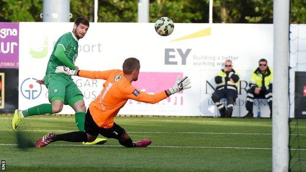 Nadir Ciftci misses a chance against Stjarnan
