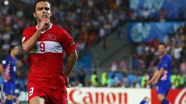 Semih Senturk celebrates scoring against Croatia at Euro 2008