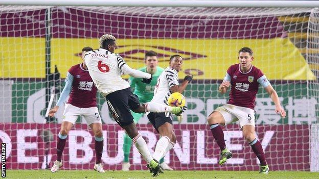 Paul Pogba scores Manchester United's winner against Burnley