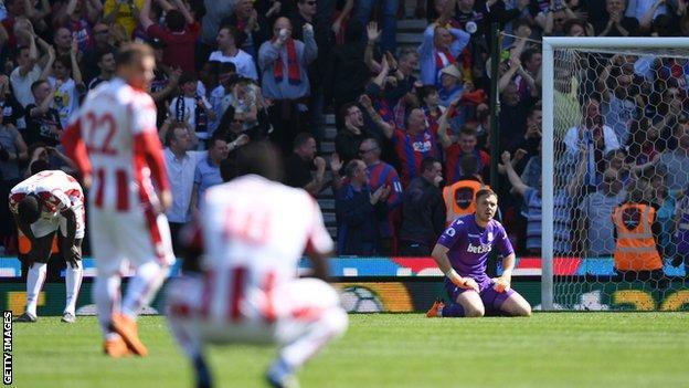 Stoke react to Patrick van Aanholt's winning goal for Crystal Palace