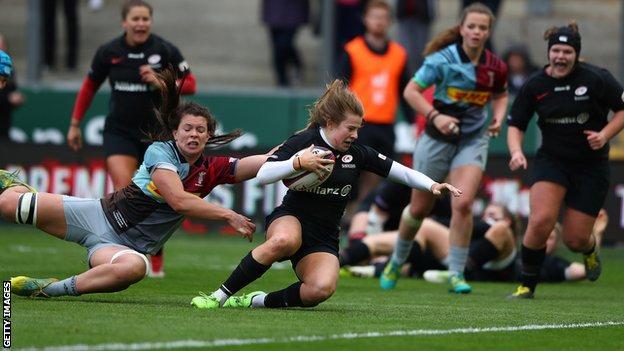 Saracens' Zoe Harrison scores a try
