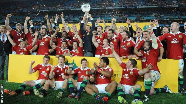 The Lions celebrate their series win over Australia in 2003