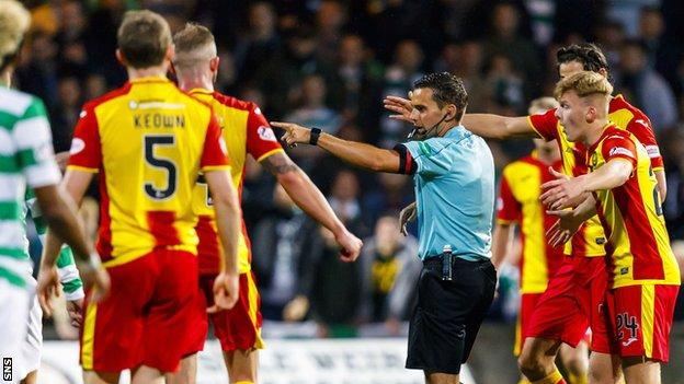Partick Thistle players felt they should have been awarded a late penalty
