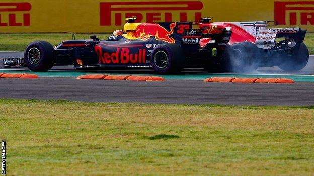 Max Verstappen and Sebastian Vettel go wheel-to-wheel at the Mexican Grand Prix in 2018