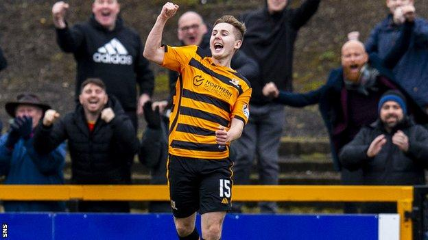 Lee Connolly celebrates after scoring to make it 1-0 Alloa