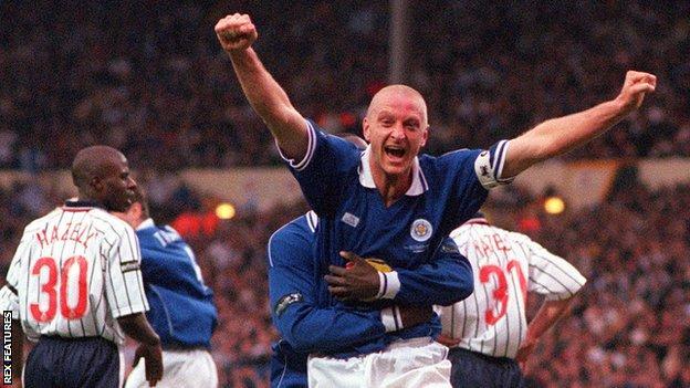 Matt Elliott celebrates scoring in the 2000 League Cup final - Leicester's last Wembley cup final appearance