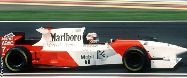 Nigel Mansell driving for McLaren in 1995
