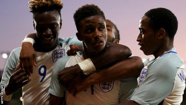 Demarai Gray (centre) opened the scoring with a powerful strike