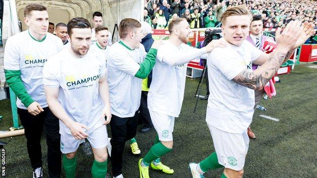 Hibs players return to the pitch to soak up the adulation of the Easter Road crowd