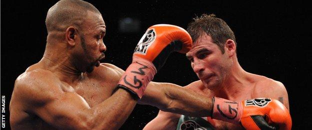 Roy Jones Jr fighting Joe Calzaghe in 2008
