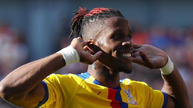 Wilfried Zaha is happy at Crystal Palace, says Roy Hodgson thumbnail