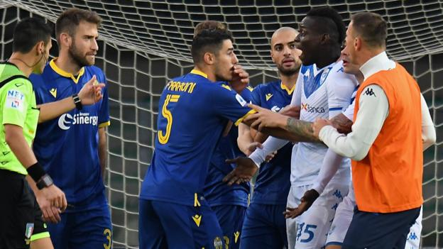 Hellas Verona 2-1 Brescia: Mario Balotelli threatens to walk off pitch after racist abuse from fans thumbnail