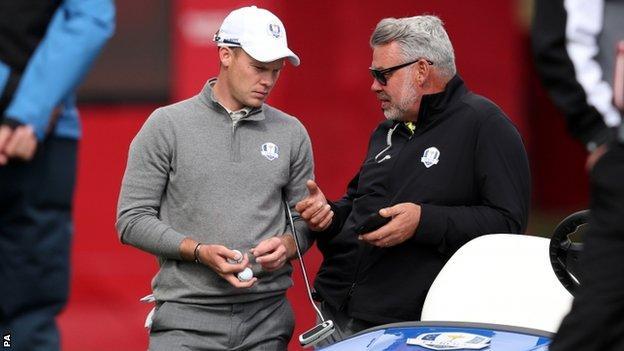 Danny Willett (left) with Europe captain Darren Clarke