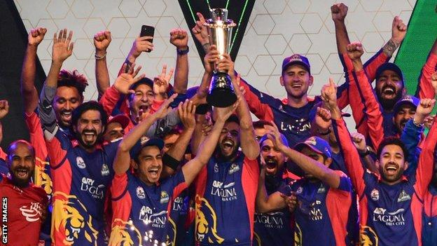 Karachi Kings celebrate winning the 2020 edition of the Pakistan Super League