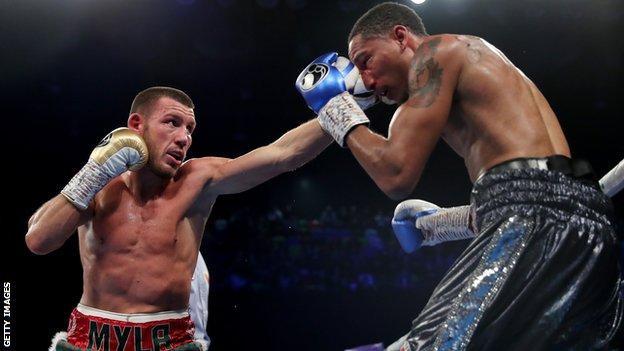 Liam Williams punching Alantez Fox