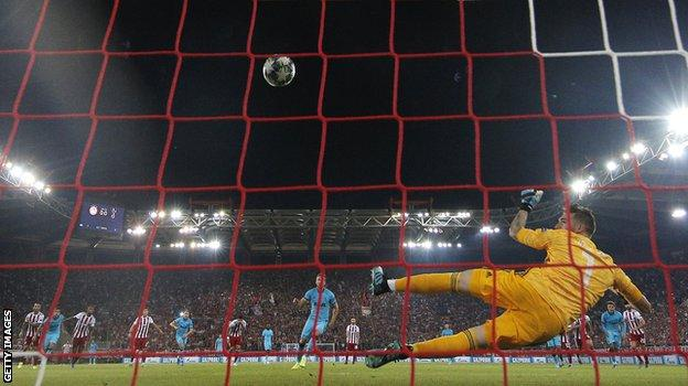 Harry Kane puts Spurs ahead from the penalty spot