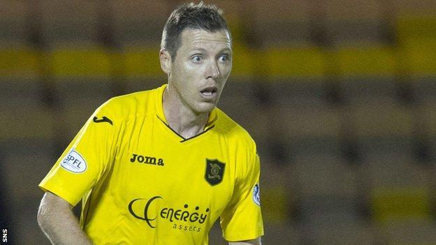 Burton O'Brien in action for Livingston