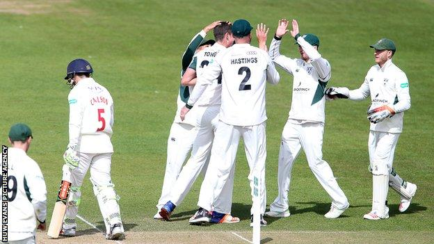 Worcestershire celebrate a wicket