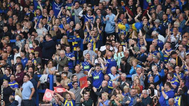 Warrington Wolves supporters