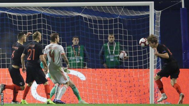 Croatia beat Spain to keep England's Nations League hopes alive