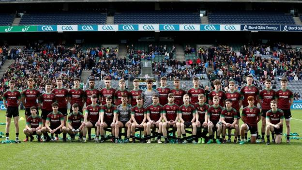 St Ronan's College from Lurgan pose for the pre-match photograph before playing in the Hogan Cup final at Croke Park