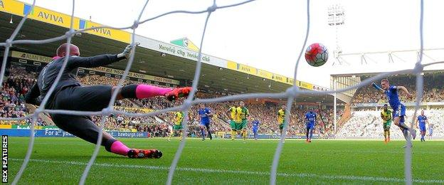 Jamie Vardy scores against Norwich