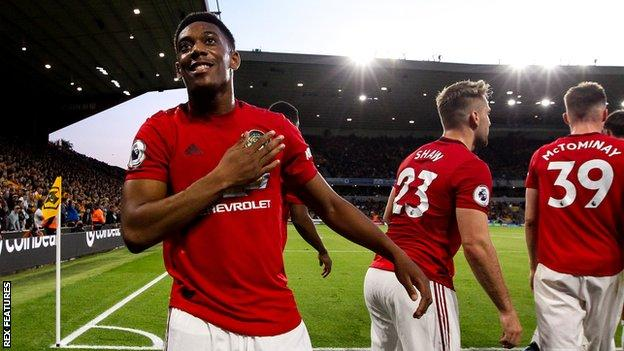 Anthony Martial (left)