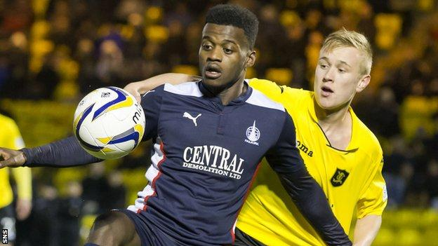 Botti Biabi (left) in action for Falkirk